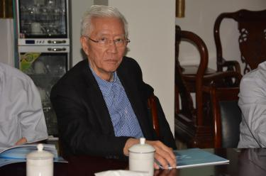 菲律宾前外交部副部长到华纳考察访问